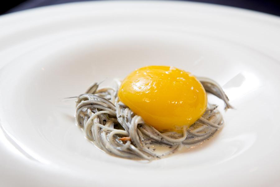 Restaurante Villa Retiro Xerta Ebre estrella MIhclein cocina de tempora proximidad angulas yema huevo