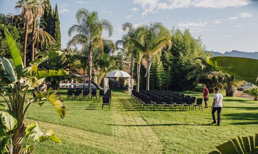Hotel Villa Retiro Ebre boda exterior jardín tropical