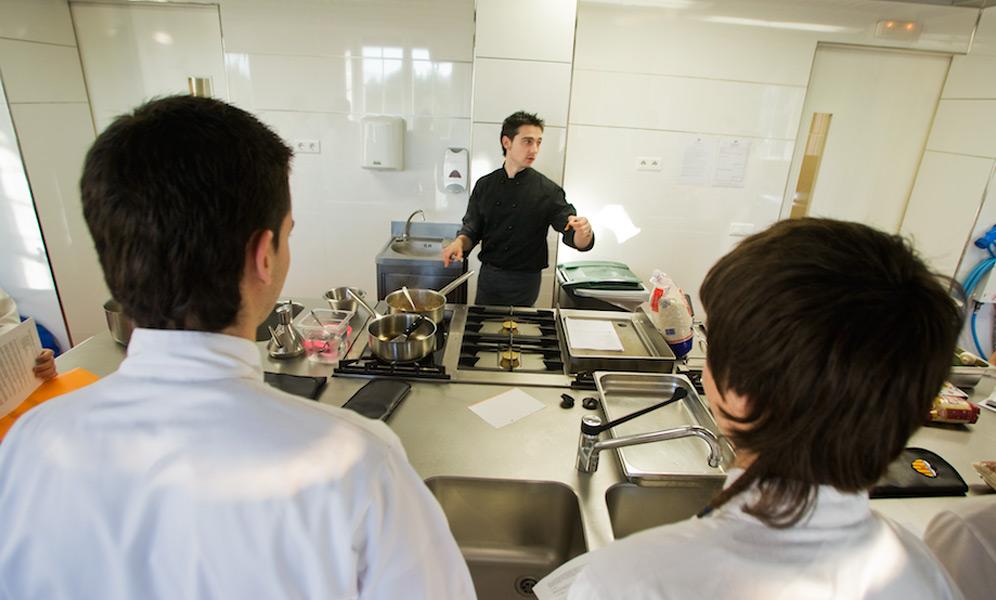 Escuela superior de cocina villa retiro for Escuela de cocina